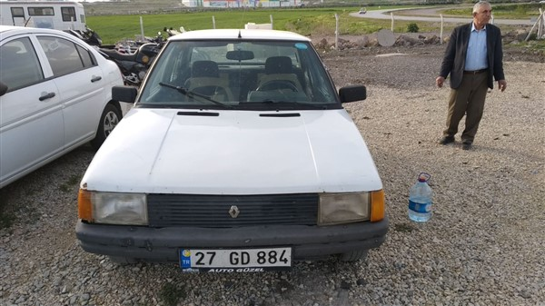 Renault 9 Brodway
