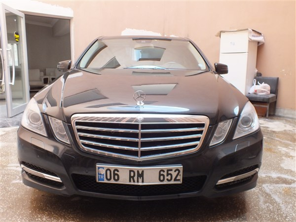MERCEDES BENZ E350 4MATİC 3.0 OTOMATİK DİZEL 2011 MODEL.